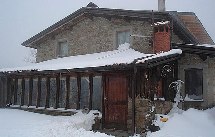 rifugio alpino neve